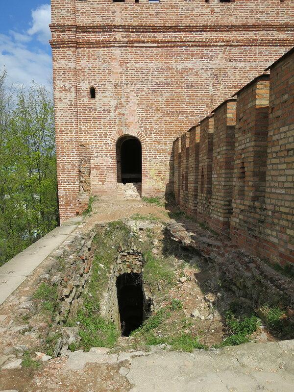 Ход на стену и вход в башню