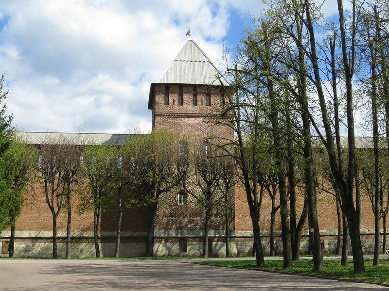 Моховая башня (19) с внешней стороны