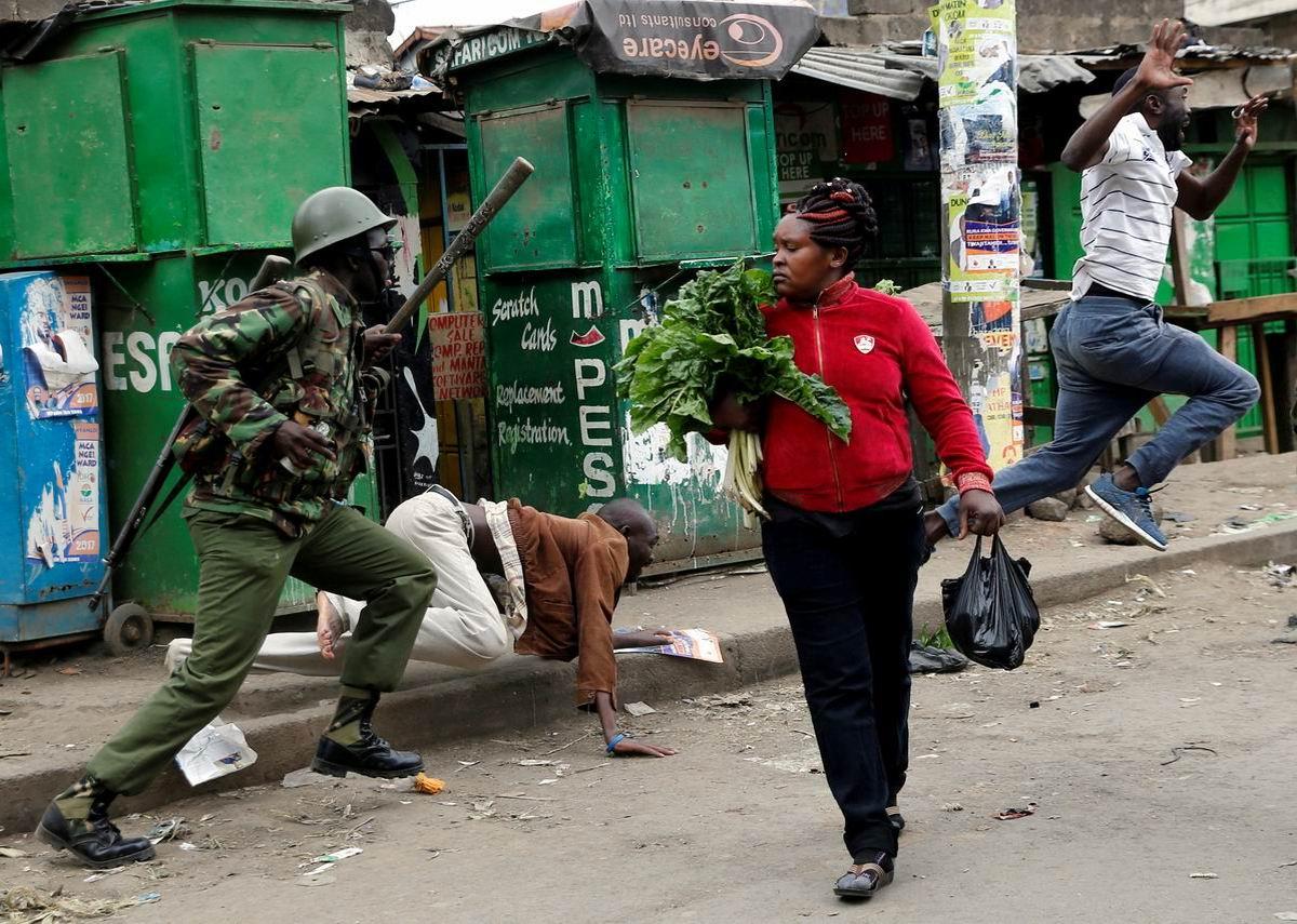 Спокойствие прежде всего: Полицейские разборки и невозмутимая домохозяйка