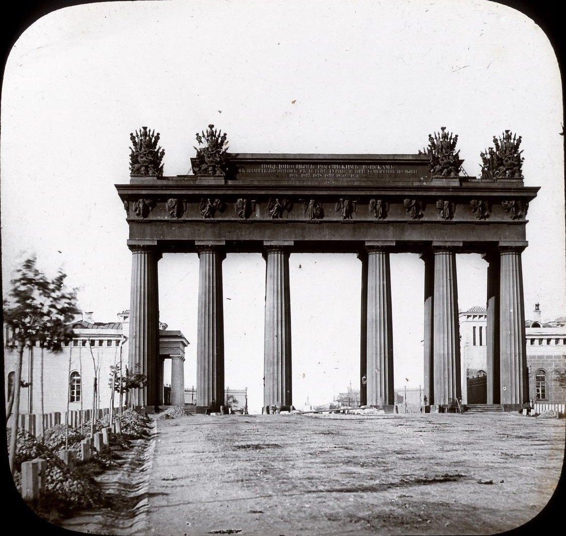 1854. Московские триумфальные ворота