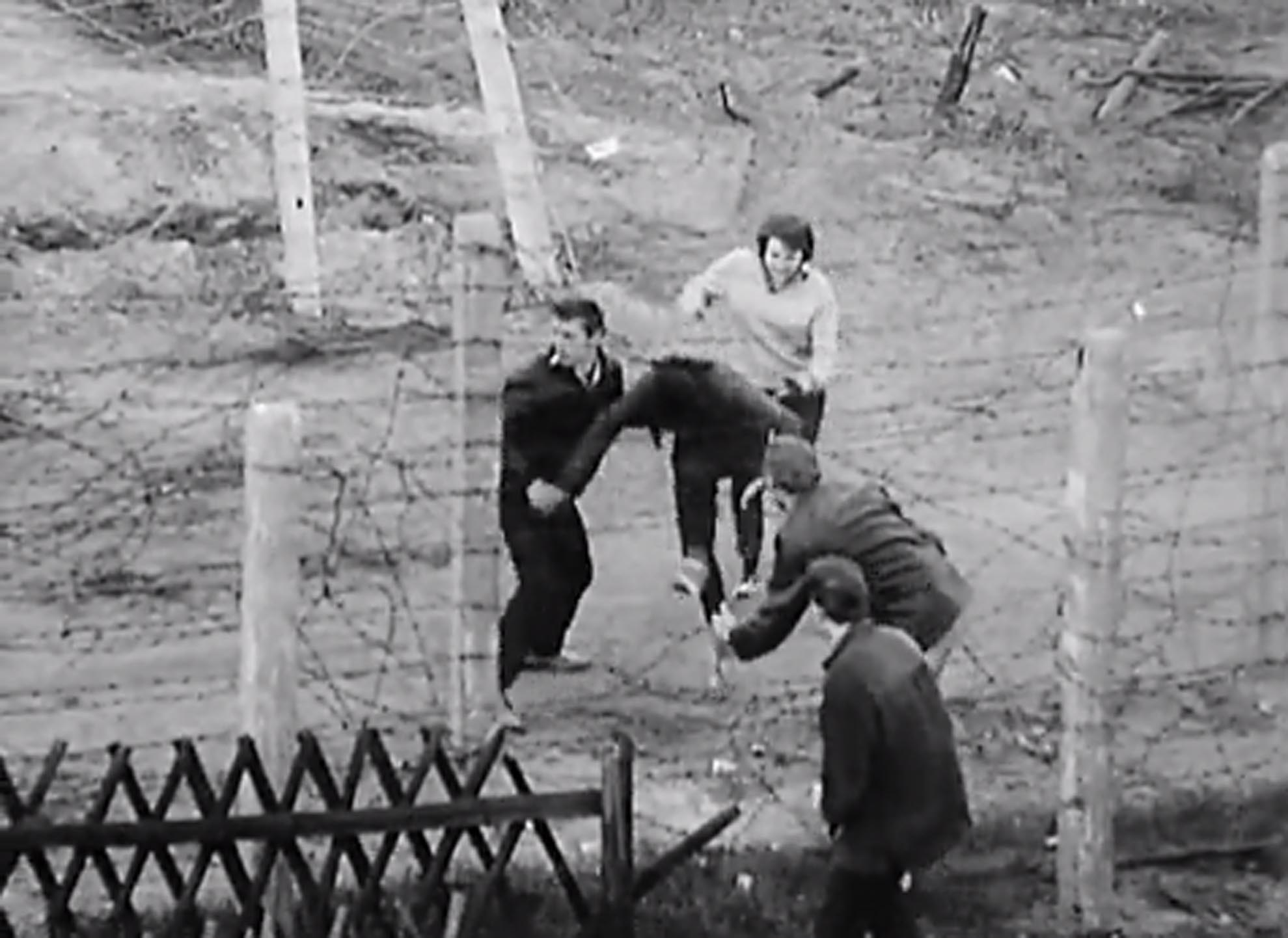 berlin-in-the-1960s-an-escape-attempt-screenshot-from-the-wall.jpg