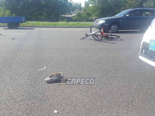 Под колесами маршрутки в Киеве погиб велосипедист. ФОТОрепортаж