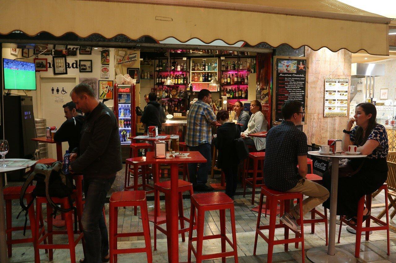 Ночная Малага. Ресторан на площади Спинола