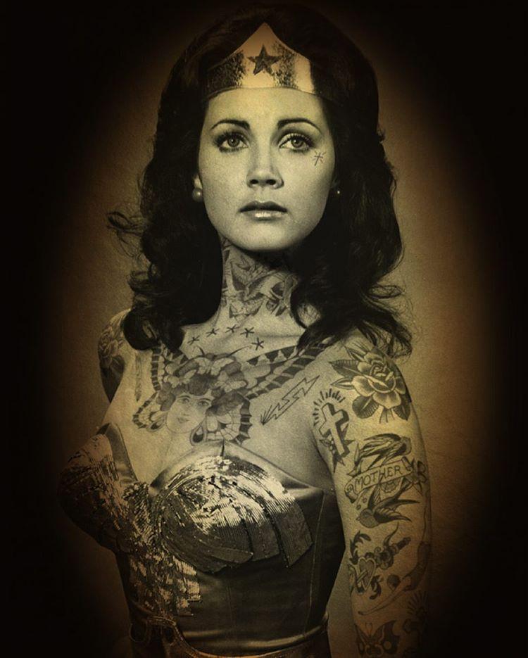Wonder Woman с татуировками Шейена выглядит еще более героической.