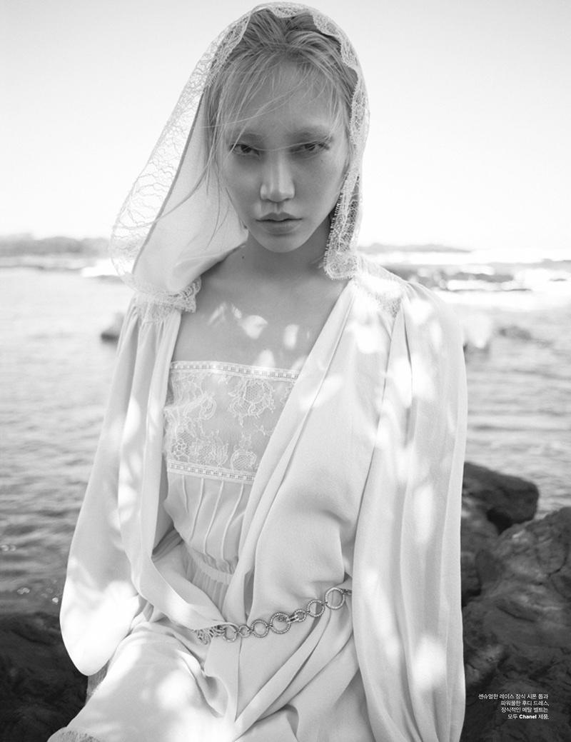 Су Жу Парк на страницах W Korea