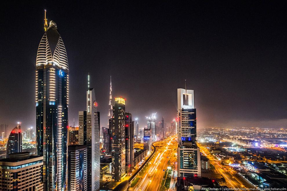 11. Канал Дубая — это новая локация, которая со временем обрастет ресторанами и кафе, в некотор