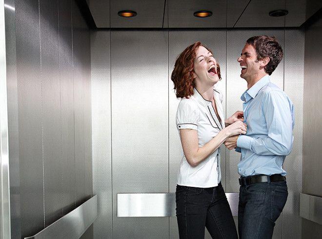 Когда к интимной близости прибавляется еще и квартирная, это не может не радовать. Если бы все было