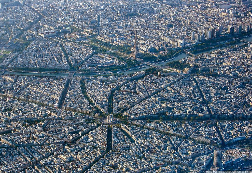 4. Триумфальная арка на площади Шарля де Голля.   Кликабельно: