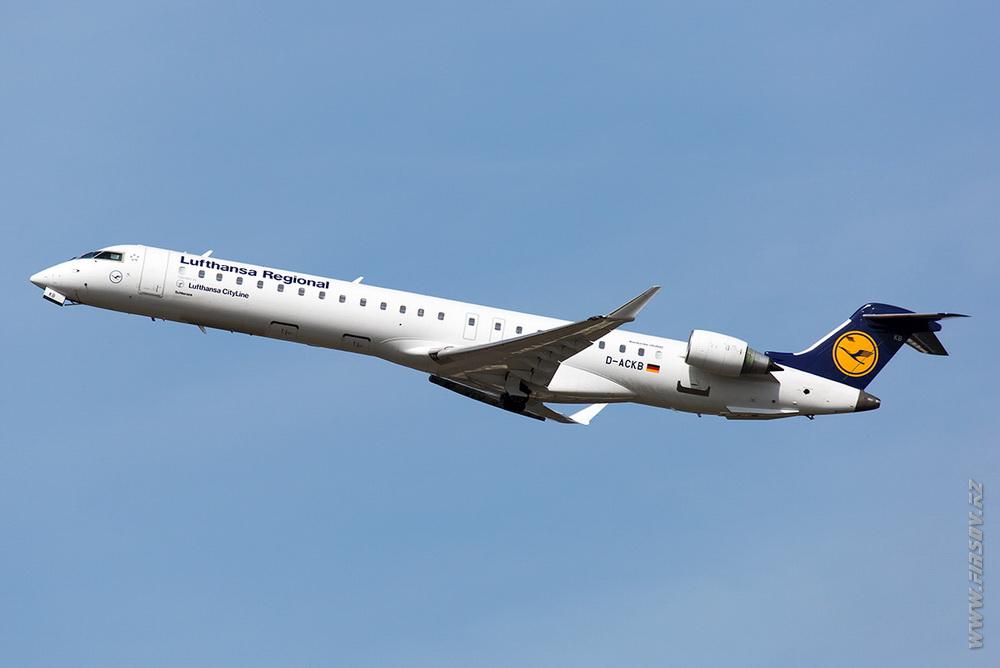 CRJ-900_D-ACKB_Lufthansa_Regional_1_LUX_for_ .JPG