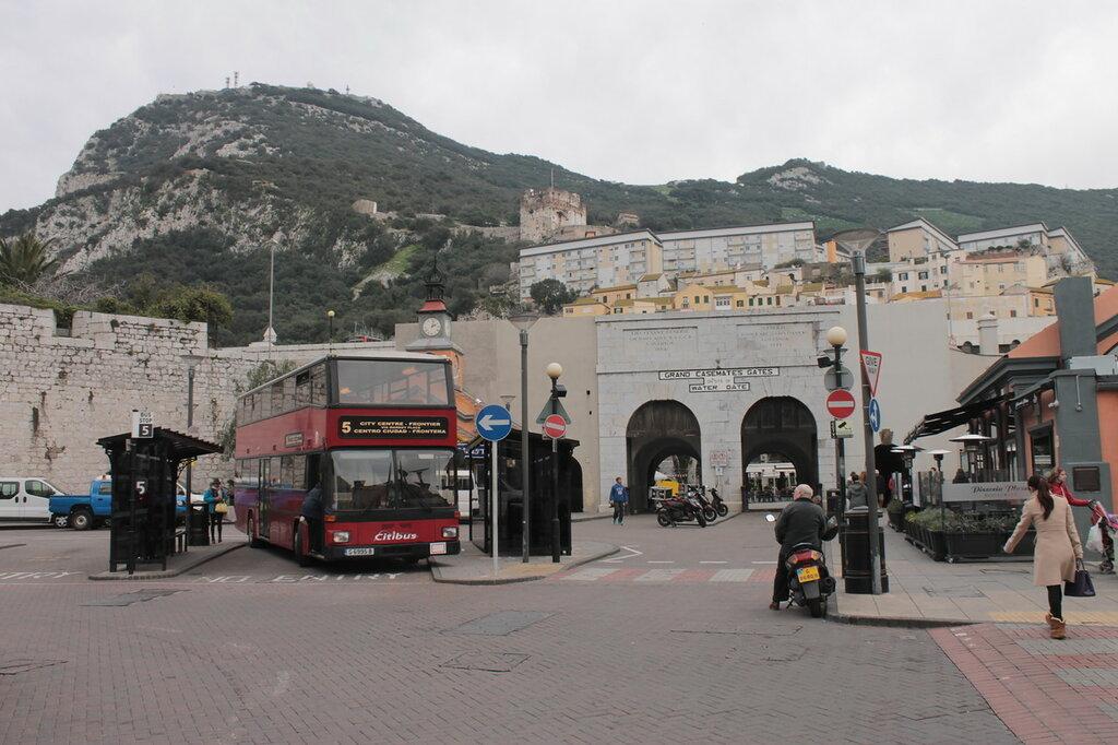 Гибралтар. Кусочек настоящей Великобритании на стыке двух континентов