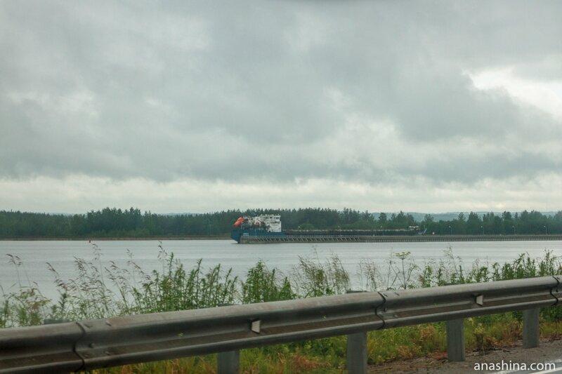 Сухогруз на водохранилище, Мариинская водная система, Волго-Балтийский канал