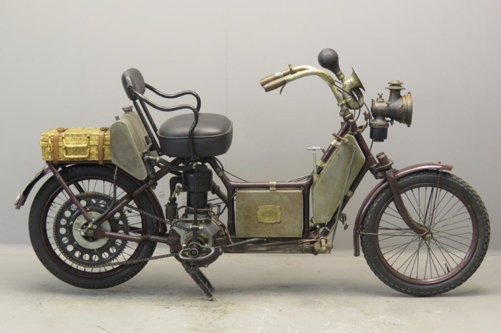 Старинный скутер AutoFauteuil 350 1908