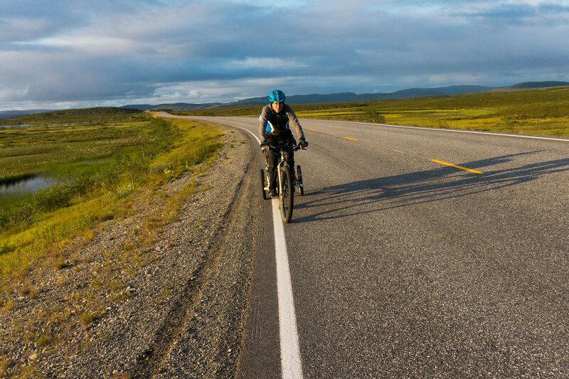 на велосипеде по шоссе E6 в норвегии