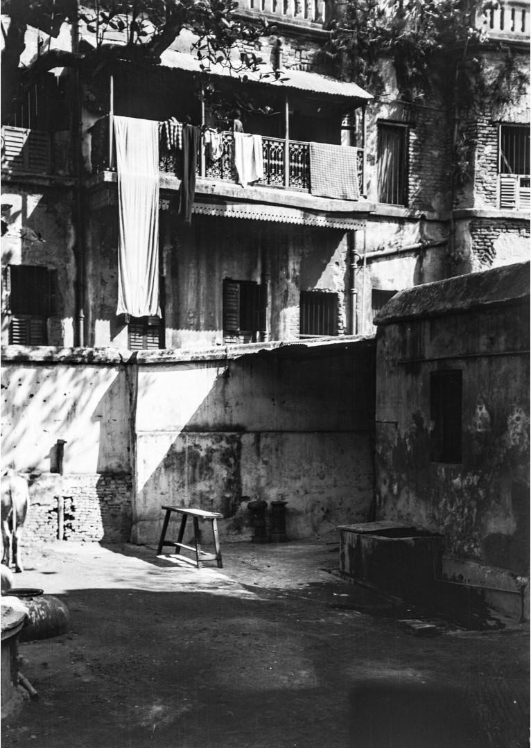 1298. Вид на задний двор особняка Тагора