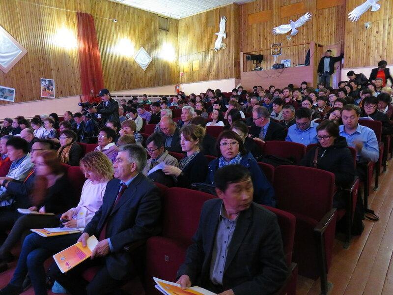 17 мая 2017 г. Общественные слушания по монгольским ГЭС в пос. Еланцы Ольхонского района Иркутской области. Фото: Александр Колотов