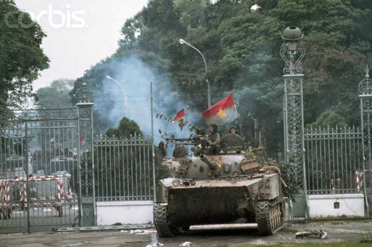 The Fall of Saigon, 1975 (1).jpg