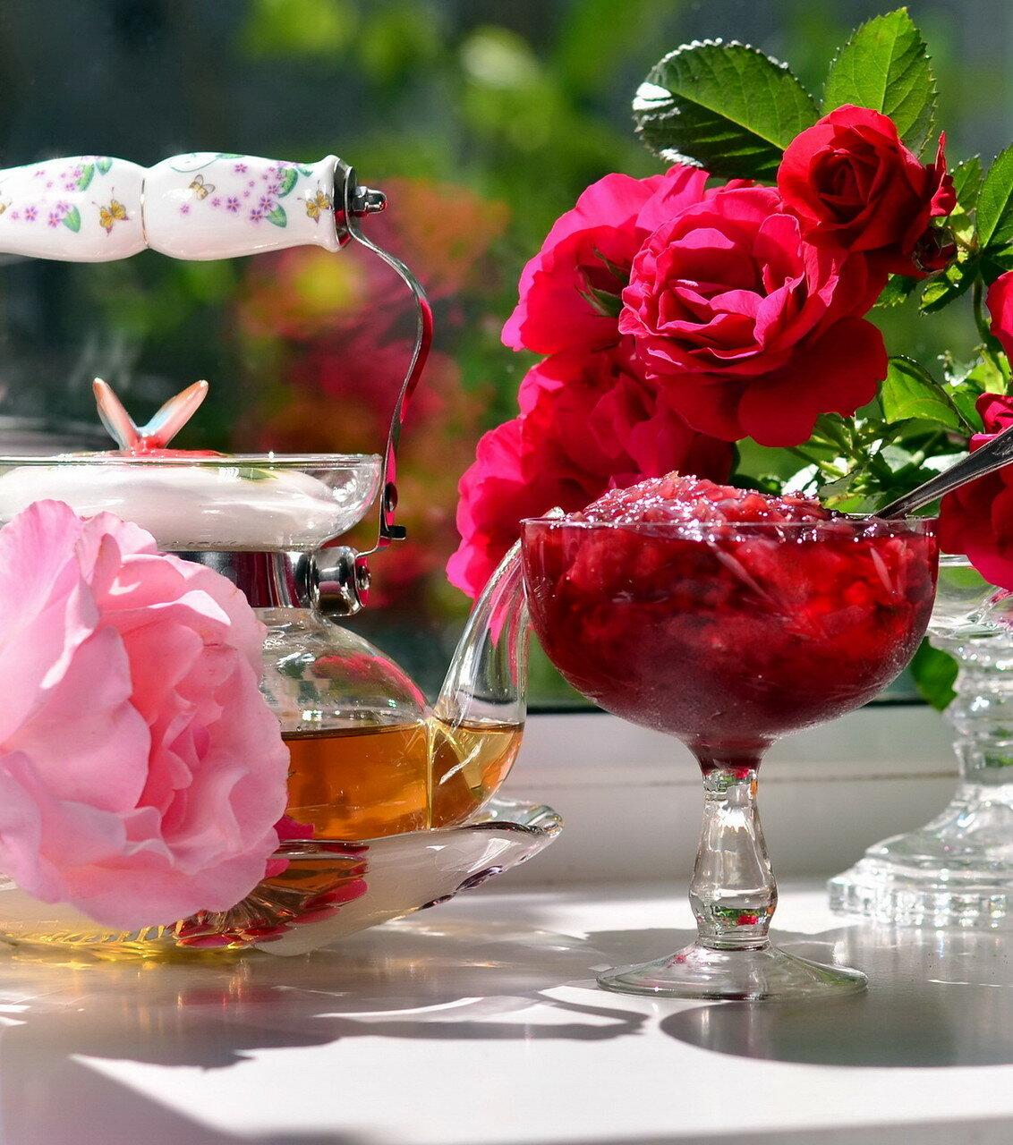 Варенье из лепестков роз..