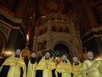 Духовенство Донского храма несло череду ночного соборного служения у мощей святителя Николая в храме Христа Спасителя в Москве