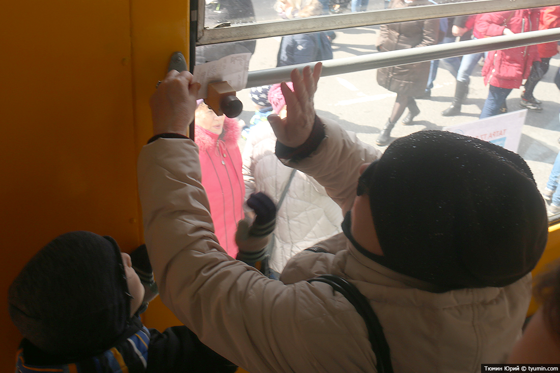 Журналист и путешественник Юрий Тюмин поделился с экологами репортажем о параде трамваев в Москве  - фото 16