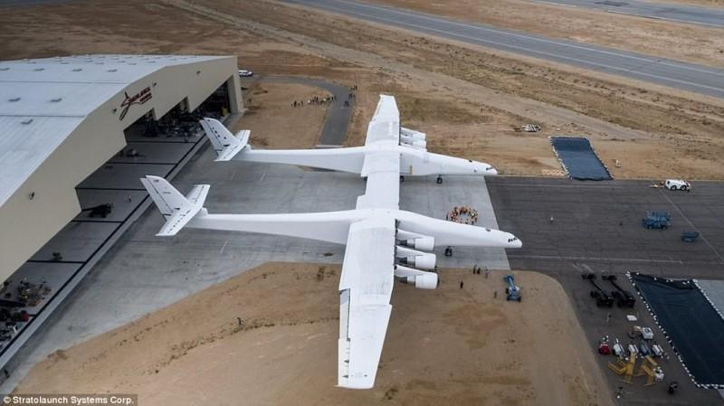 На строительство самолета ушло 6 лет. В 2011 году стоимость проекта оценивалась в 300 миллионов долл