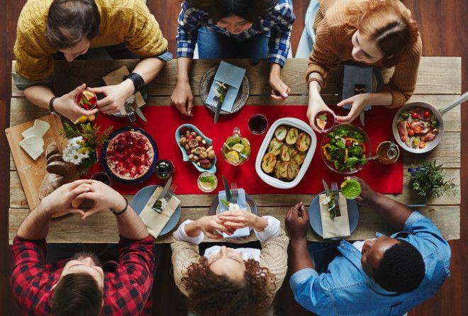 Лето – пора свадеб, встреч с друзьями, званых обедов и ужинов. Чтобы не попасть впросак, изучи