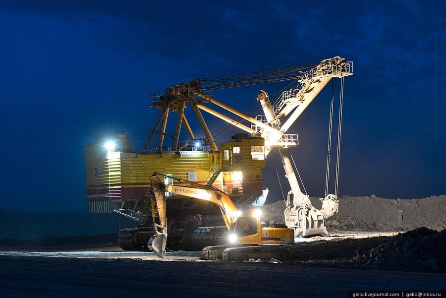 Краснобродский угольный разрез . Является первым угольным разрезом в Кузбассе. Он был основан в