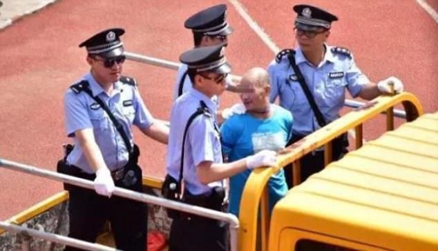 В Китае приговорили к смерти 13 наркоторговцев, и 8 человек тут же казнили (3 фото)