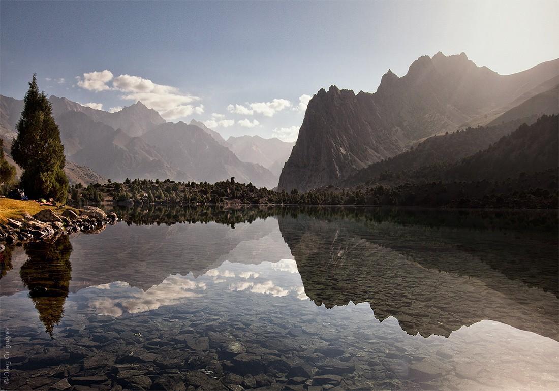 3. Вторая ночевка на озере Алуадин, находится на высоте 2800 м. Здесь я встретил первый рассвет, кот