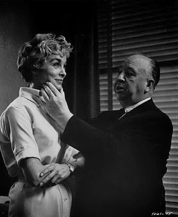 5. С Джанет Ли на съемках фильма «Психо», 1960 год.