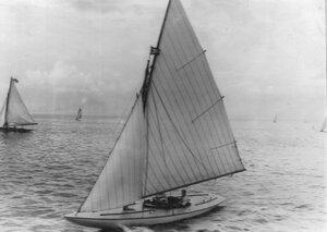 Спортивные яхты готовятся к состязаниям