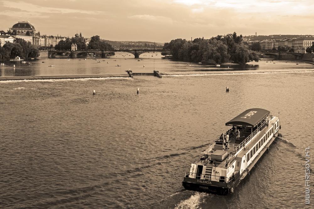 Prague 99.jpg