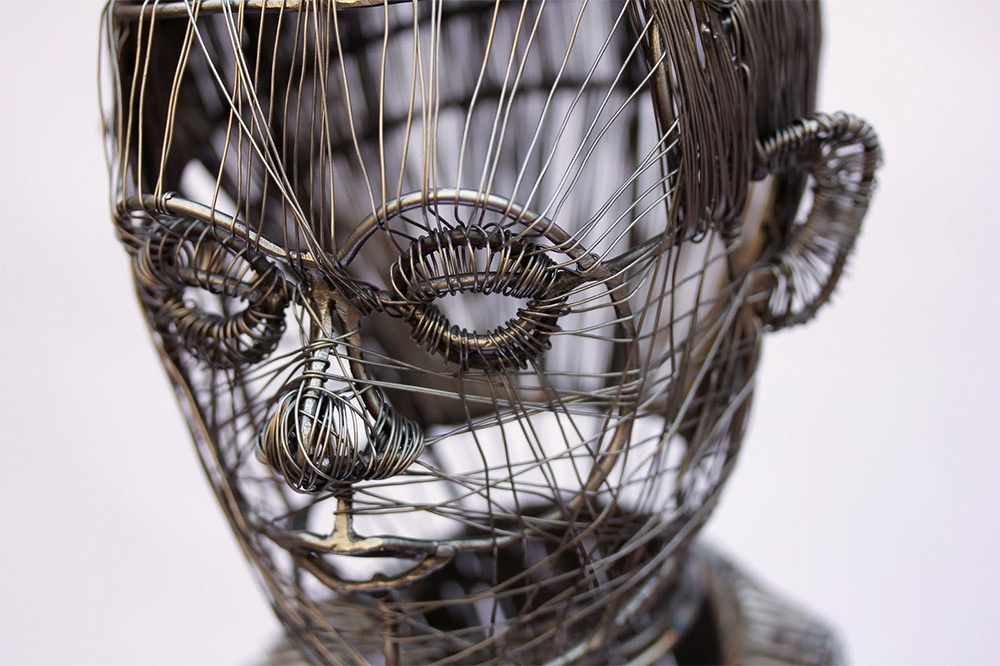 The Sculpted Wire Figures of Roberto Fanari