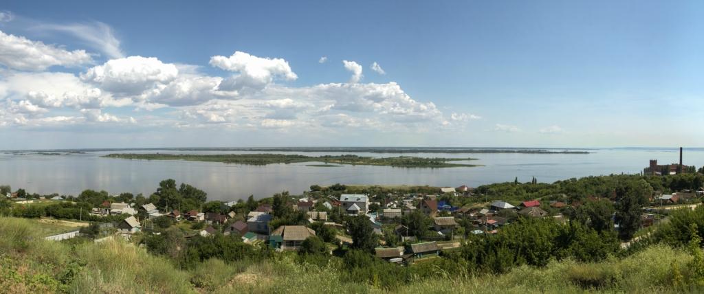 Вид на Волгу с села Красный Текстильщик