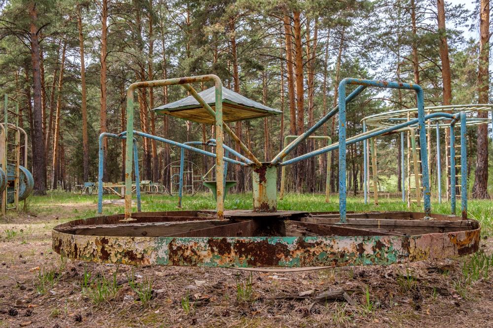 старые советские детские площадки