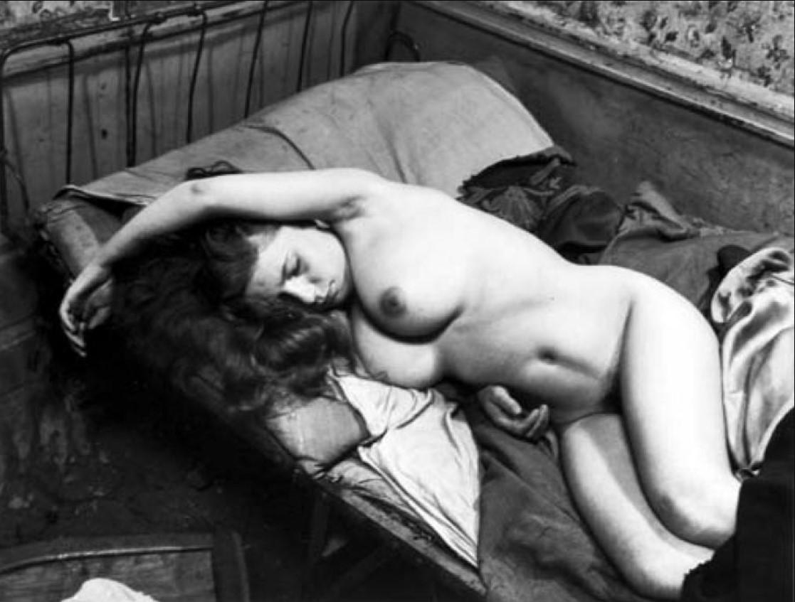 1949. Обнаженная нищенка