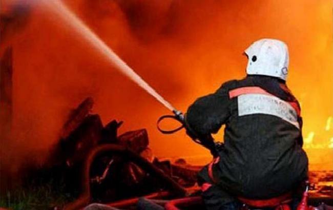 Полыхает дом наулице Петлюры— Пожар вКиеве