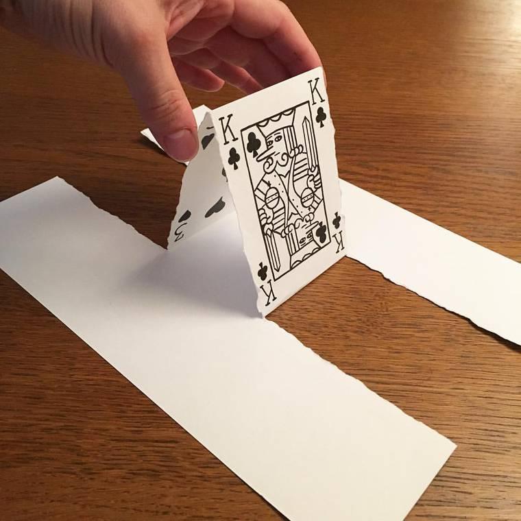 As ilustracoes que ultrapassam o limite da folha de papel
