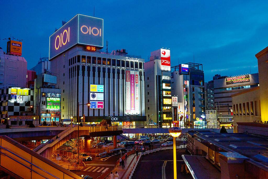 Вечерний Токио.