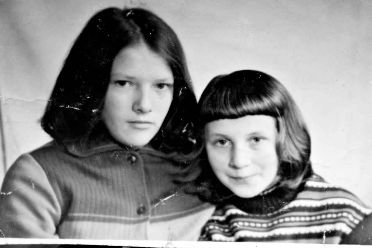 Таня Гурьева (слева) и Валя Немшукова
