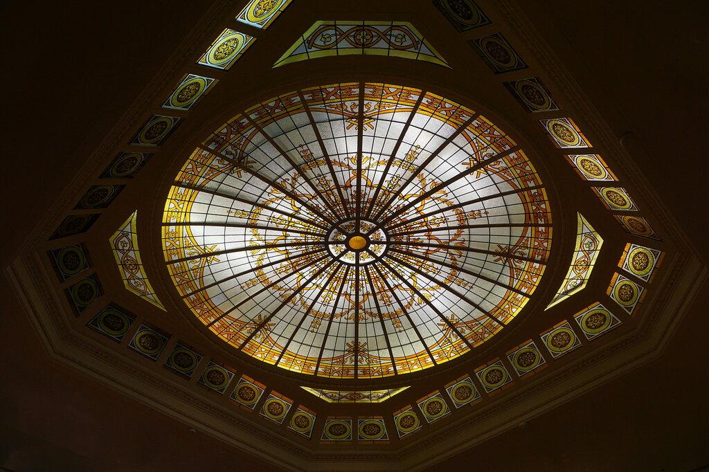Потолок одного из залов