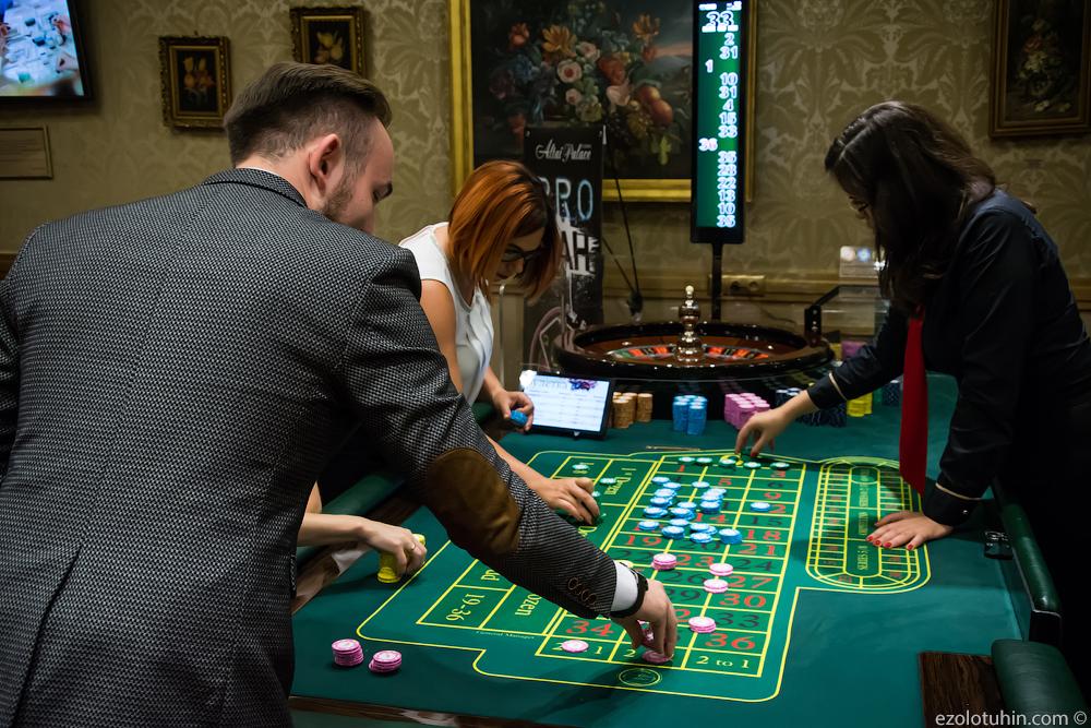 Где учиться на диллера казино в спб новые игровые автоматы слотомания