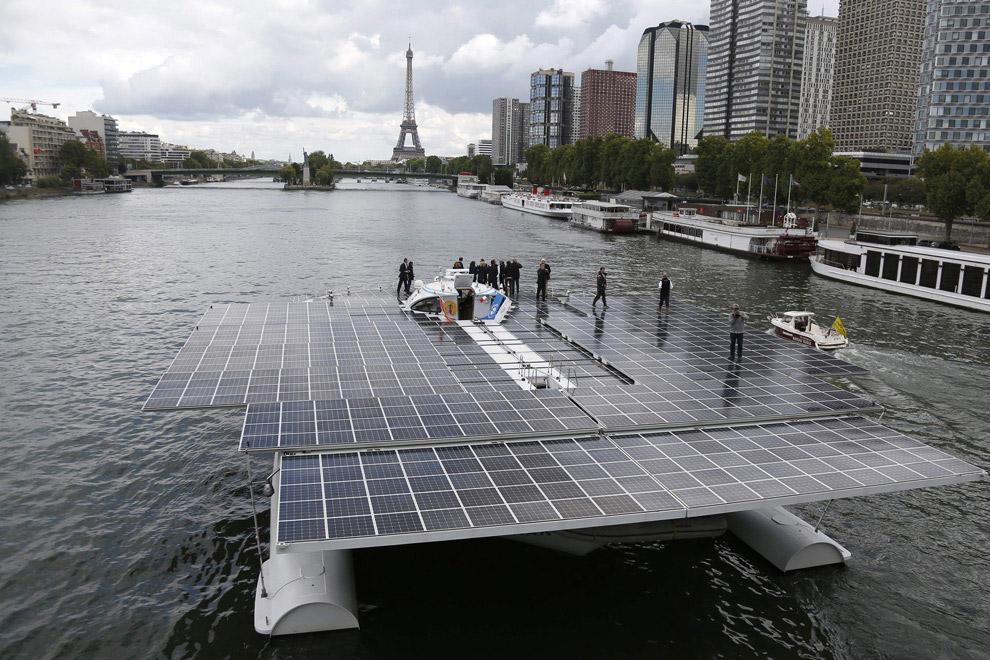 Также читайте « Будущее авиации: «Солнечный импульс ». (Фото Charles Platiau | Reuters):