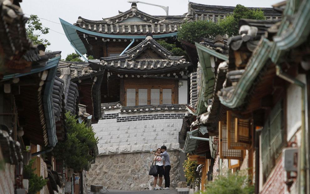 В Сеуле и в его пригородах находится множество тематических парков (парков развлечений) и аквап
