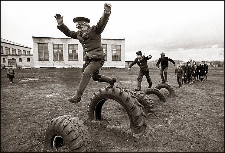 Как расшевелить бабушек: избранные работы звезды советской фотографии Владимира Ролова