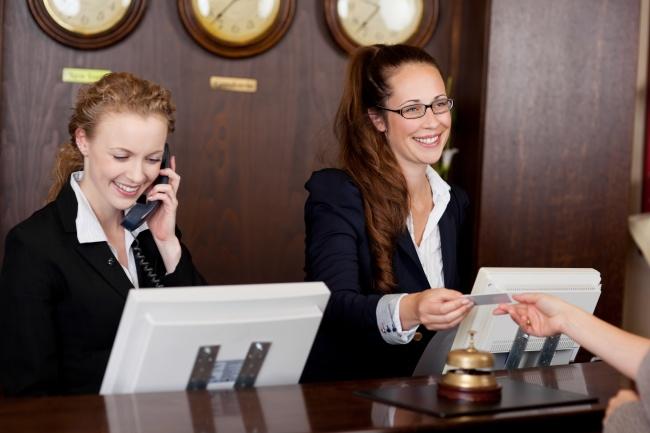 © depositphotos.com  «Скидочные» карты отелей призваны заманить вас вдорогие рестораны имага