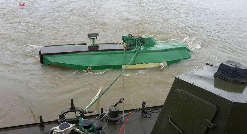 Субмарину транспортируют на военно-морскую базу в юго-западном колумбийском департаменте Валье-дель-