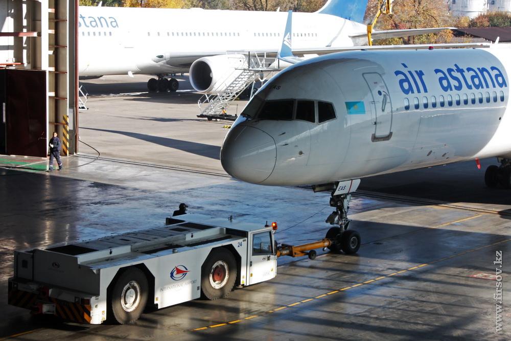 B-757_P4-EAS_Air-Astana_25_ALA_resize.jpg