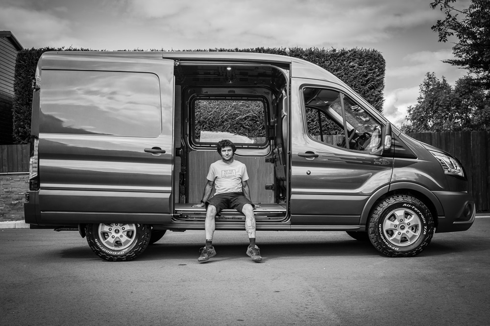 Фургон Ford Transit Guy Martin Proper Edition