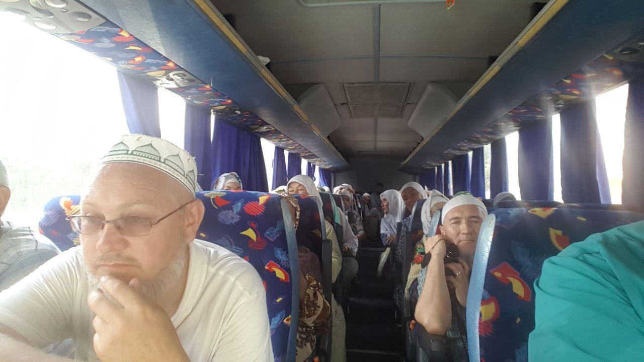 паломники  из Бакирии едут в хадж.jpg