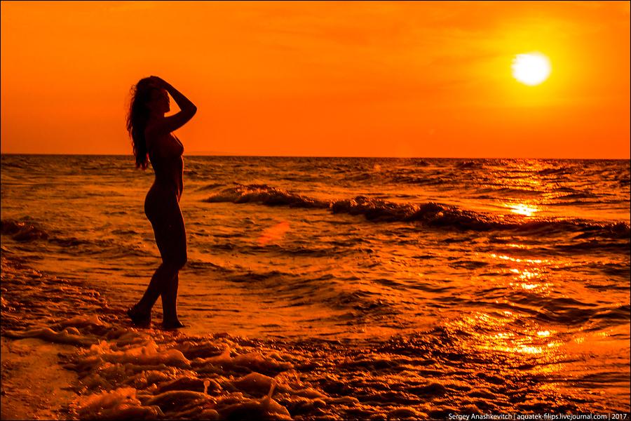 Девушки и Черное море